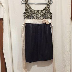 B. Wear Byer California  black & Cream Dress JR 9